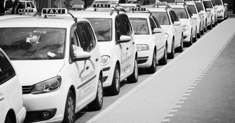 შემოსავლის გარეშე დარჩენილი 10 ათასი მოქალაქე — სატრანსპორტო რეგულაციების შედეგი