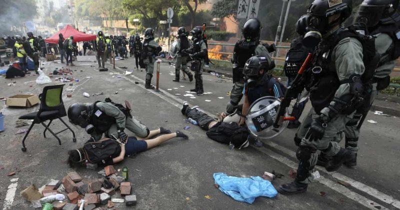 ჰონგ-კონგის უნივერსიტეტის 3-დღიანი ალყისას პოლიციამ 400-ზე მეტი ადამიანი დააკავა