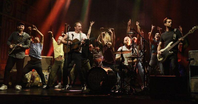 ჯგუფმა Coldplay თავისი ახალი  სიმღერა SNL-ზე შეასრულა (ვიდეო)