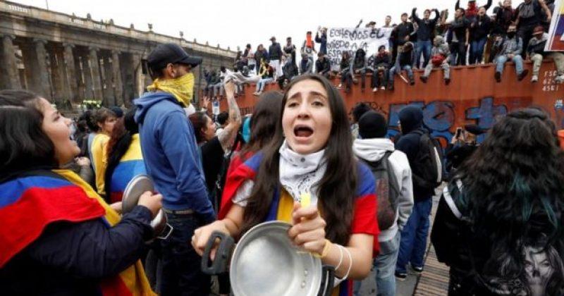 კოლუმბიაში საპროტესტო აქცია ცრემლსადენი გაზით დაშალეს, ბოგოტაში კომენდატის საათი ამოქმედდა