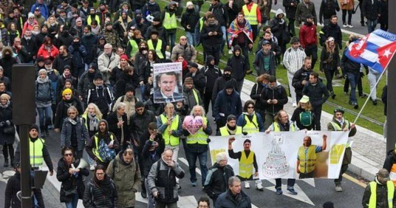 """""""ყვითელი ჟილეტების"""" აქციების დაწყებიდან 1 წლის შემდეგ პოლიციამ პარიზში 147 ადამიანი დააკავა"""
