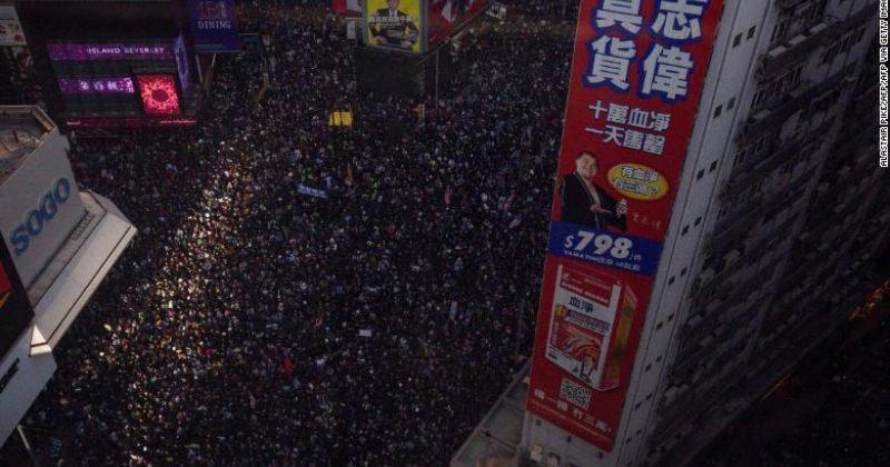 ჰონგ-კონგის ქუჩებში თავისუფლების მოთხოვნით ასობით ათასი ადამიანი გამოვიდა