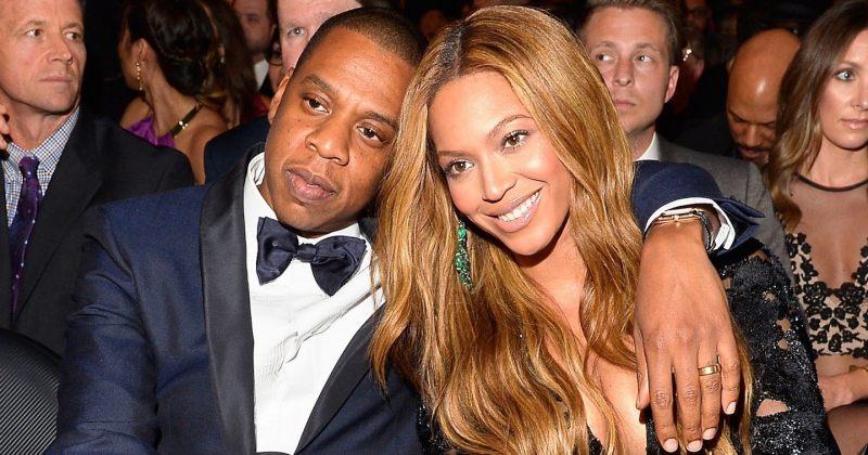 Jay-Z-მ უცხო კაცს, რომელიც ბიონსეს უღებდა, ტელეფონი წაართვა (VIDEO)