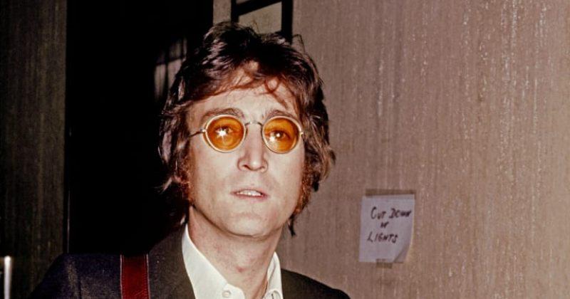 ჯონ ლენონის ცნობილი სათვალე 137 000 გირვანქა სტერლინგად გაიყიდა