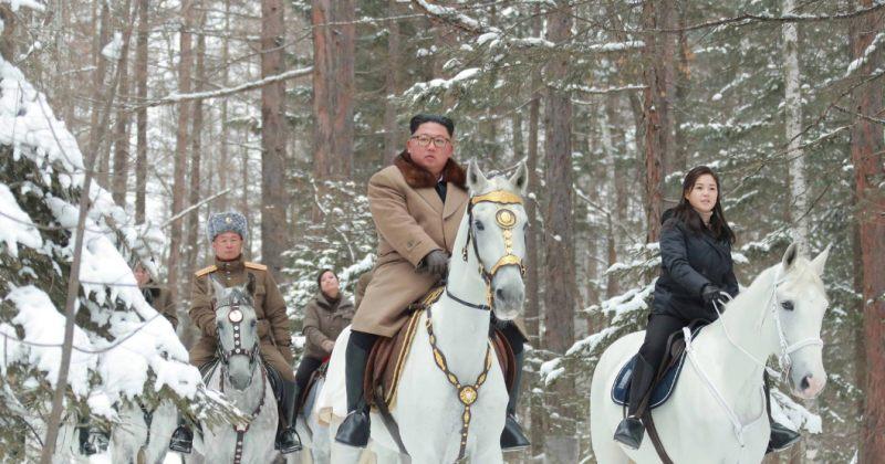 """კიმ ჩენ ინმა """"წმინდა მთა"""" თეთრი ცხენით კვლავ დალაშქრა"""