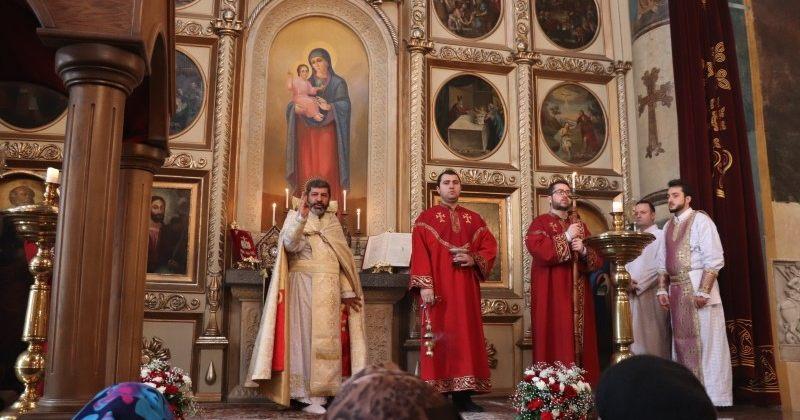 სომეხთა სამოციქულო ეკლესია შობისა და ნათლისღების დღესასწაულს აღნიშნავს
