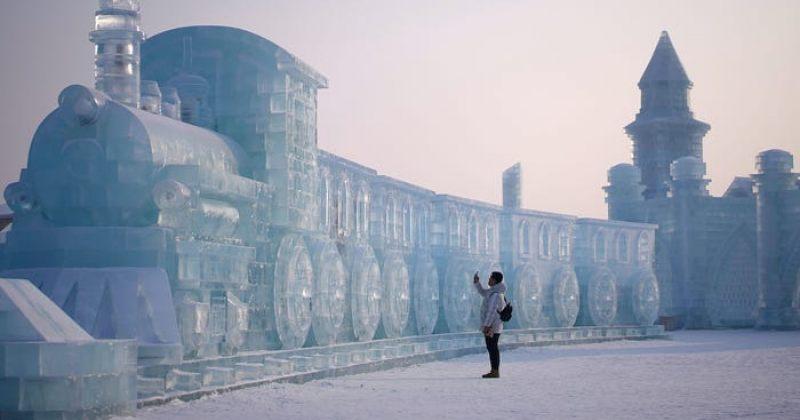 12 ფოტო ჩინეთის ყინულისა და თოვლის ფესტივალიდან