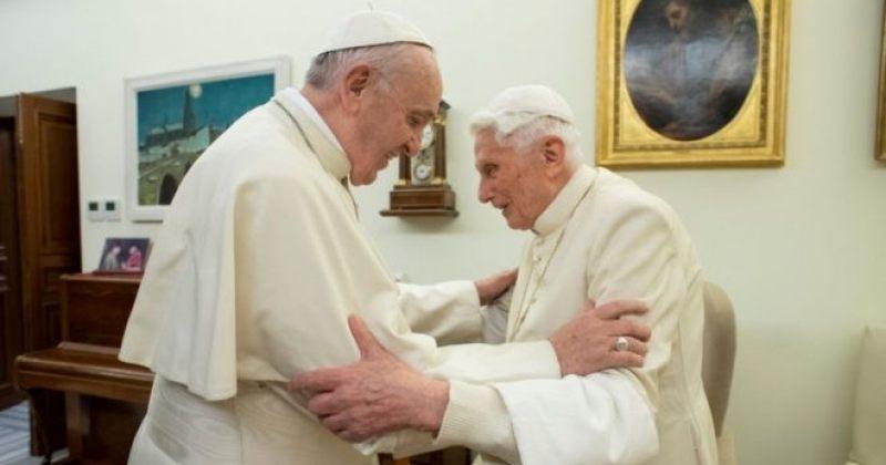 გადამდგარი პაპი, ბენედიქტე XVI კათოლიკე ეკლესიაში ცელიბატისგაუქმების წინააღმდეგ გამოდის