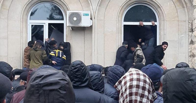 RIA: კრიზისის გამო ოკუპირებულ აფხაზეთში რუსეთის უსაფრთხოების საბჭოს მაღალჩინოსანი ჩავა