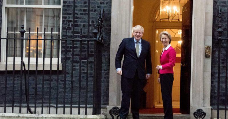 ჯონსონი ბრექსითის შემდგომ სავაჭრო შეთანხმების მისაღწევად ევროკომისიის პრეზიდენტს შეხვდება