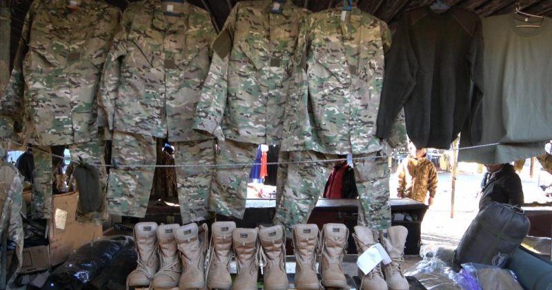 თავდაცვის ძალების თანამშრომელი სამხედრო ფეხსაცმლისა და ფორმების მითვისებისთვის დააკავეს