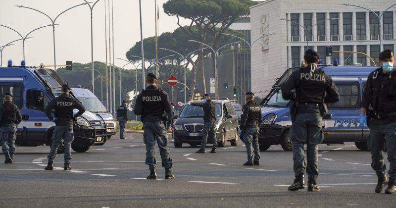 იტალიაში პოლიციამ აღდგომის დღესასწაულზე წესების დარღვევისთვის 42 000-ზე მეტი პირი დააჯარიმა