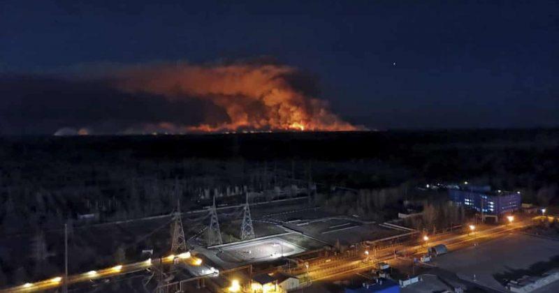 ჩერნობილში ხანძარს კვლავ ებრძვიან, ცეცხლი ატომურ ელექტროსადგურს მიუახლოვდა [ფოტოები/ვიდეო]