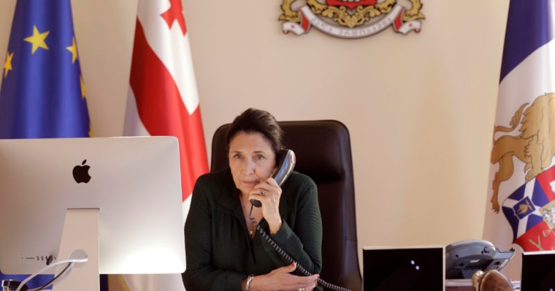 პრეზიდენტი: 3 თვეში მობილურზე 200 ლარი და 98 თეთრი დავხარჯე, ტელეფონით 32 ქვეყნის ლიდერს ვესაუბრე