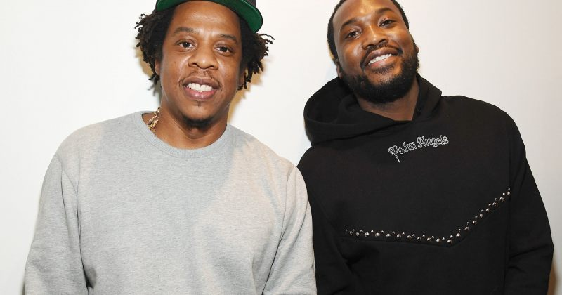 რეპერებმა Jay-Z და Meek Mill პატიმრებს 100 000 პირბადე გაუგზავნეს