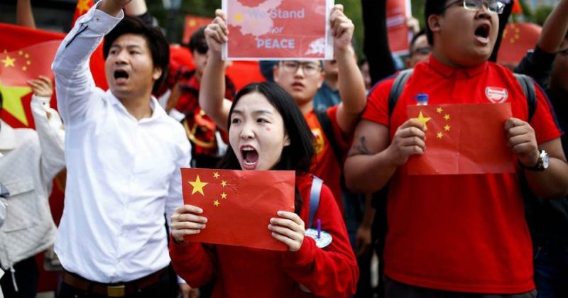 აშშ ათასობით ჩინელი სტუდენტისთვის ვიზების გაუქმებას გეგმავს - Reuters