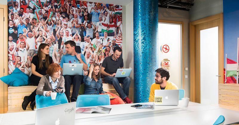 GOOGLE-სა და FACEBOOK-ის თანამშრომლების უმეტესობა 2021 წლამდე სახლებიდან იმუშავებს