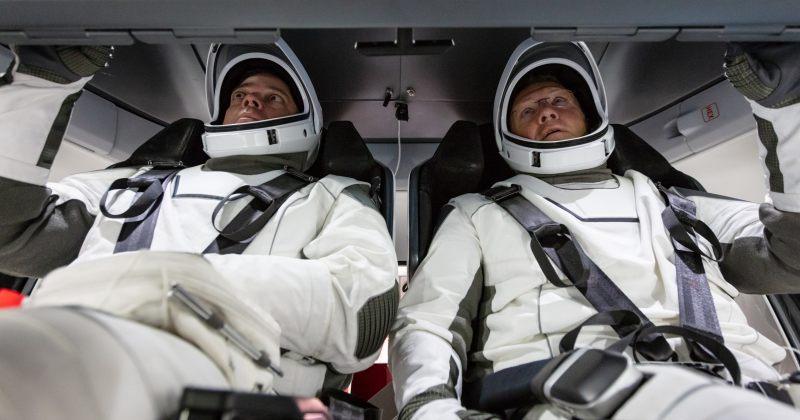 NASA-ს ასტრონავტები SpaceX-ის Dragon-ით საერთაშორისო კოსმოსურ სადგურზე ჩავიდნენ [LIVE]