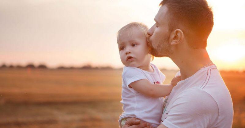თუ დედა არ გამოიყენებს, ბავშვის მოვლის გამო ანაზღაურებადი შვებულების მიღება მამას შეეძლება