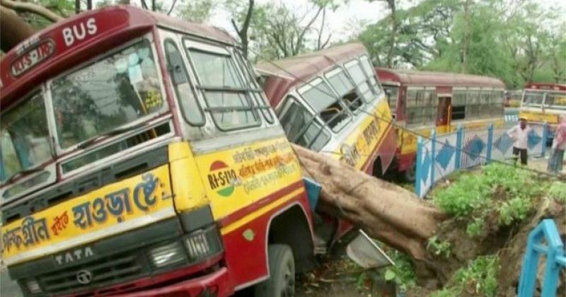 ინდოეთსა და ბანგლადეშში მძლავრ შტორმს სულ მცირე 84 ადამიანის სიცოცხლე ემსხვერპლა [ფოტოები]