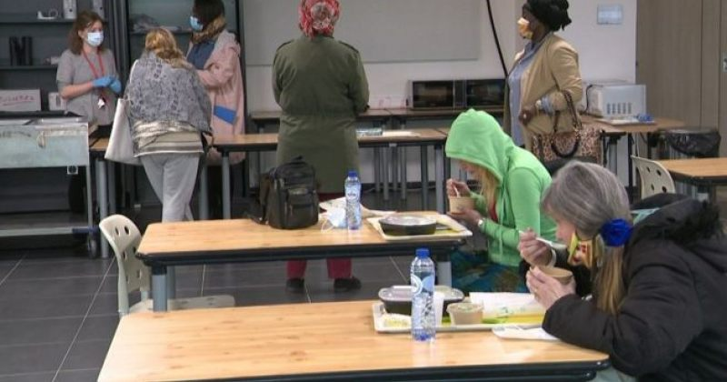 ბრიუსელში, ევროპის პარლამენტის შენობაში 100 უსახლკარო ქალს თავშესაფარი მისცეს