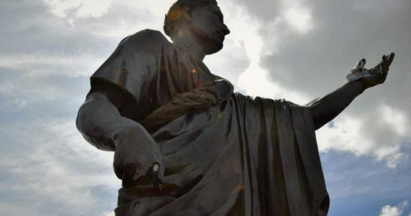 ბელგიაში იულიუს კეისრის ძეგლი დააზიანეს
