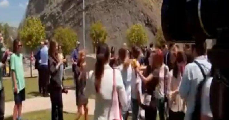 პრემიერმინისტრთან ინტერვიუს შემდეგ ჟურნალისტებს შორის ფიზიკური დაპირისპირება მოხდა [VIDEO]