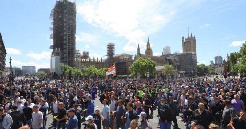 ლონდონში აქციებზე ათასობით ადამიანი გამოვიდა