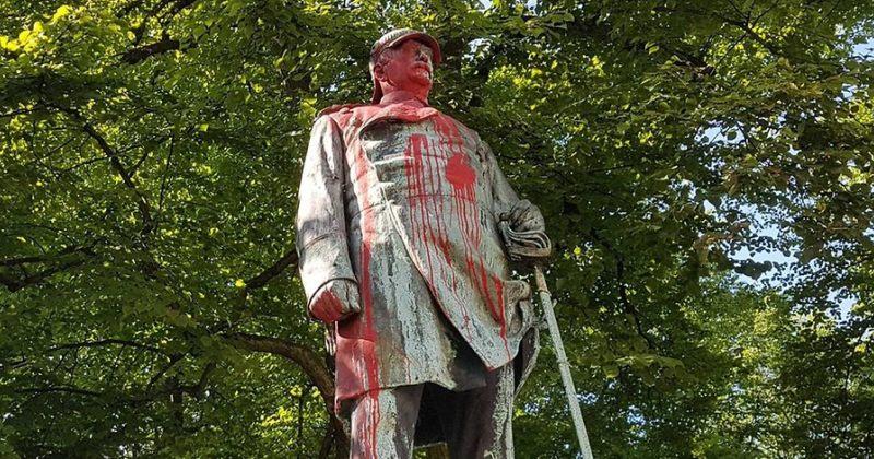 ჰამბურგში მომიტინგეებმა ოტო ფონ ბისმარკის ძეგლი წითელი საღებავით შეღებეს