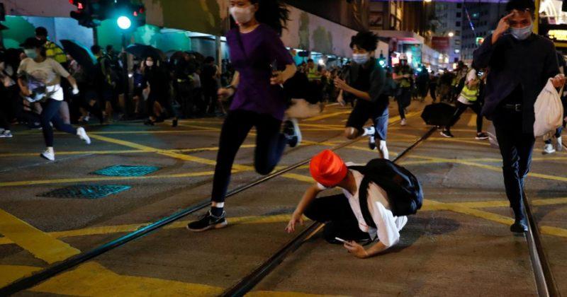 ჰონგ-კონგში აქციების დაწყებიდან 1 წლის თავზე გამართულ დემონსტრაციაზე 53 ადამიანი დააკავეს