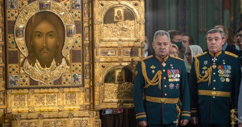 რუსეთში შეიარაღებული ძალების ეკლესია პუტინის, შოიგუს და სტალინის ფრესკების გარეშე გაიხსნა