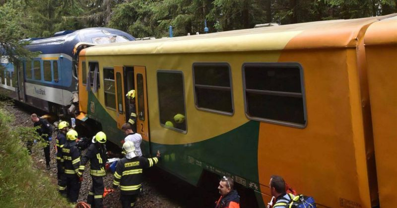 ჩეხეთში მატარებლების შეჯახების შედეგად 2 ადამიანი დაიღუპა