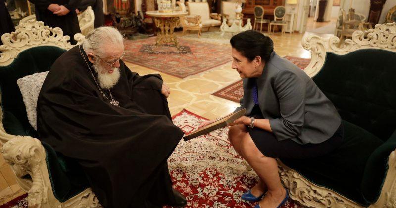 ზურაბიშვილი ილია II-ს: ბედნიერი ვარ, რომ თქვენი მმართველობისას მაქვს პატივი, ვიყო პრეზიდენტი