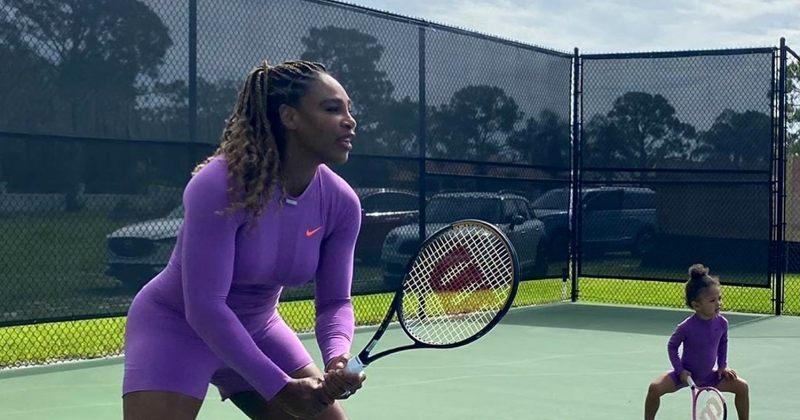 სერენა უილიამსმა და მისმა ორი წლის შვილმა ჩოგბურთის კორტებზე ერთად ივარჯიშეს
