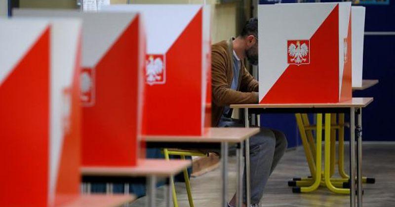 პოლონეთში საპრეზიდენტო არჩევნების მეორე ტური იმართება
