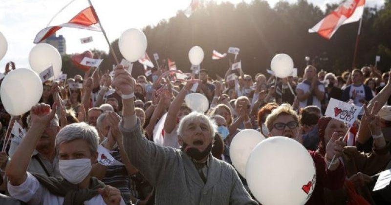 ბელარუსში ოპოზიციის მიტინგს 60 000 ადამიანი შეუერთდა