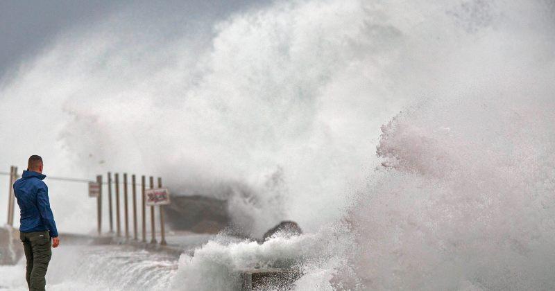 ტროპიკულ შტორმ ისაიასს აშშ-ს დასავლეთ სანაპიროზე 4 ადამიანის სიცოცხლე შეეწირა
