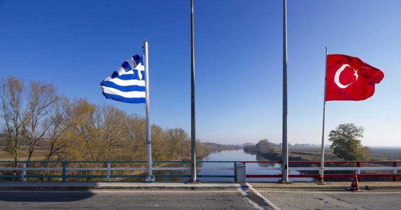გარდაცვლილი 11 წლის ბიჭის დედა საზღვრიდან საბერძნეთში დააბრუნეს, ოჯახი დახმარებას ითხოვს