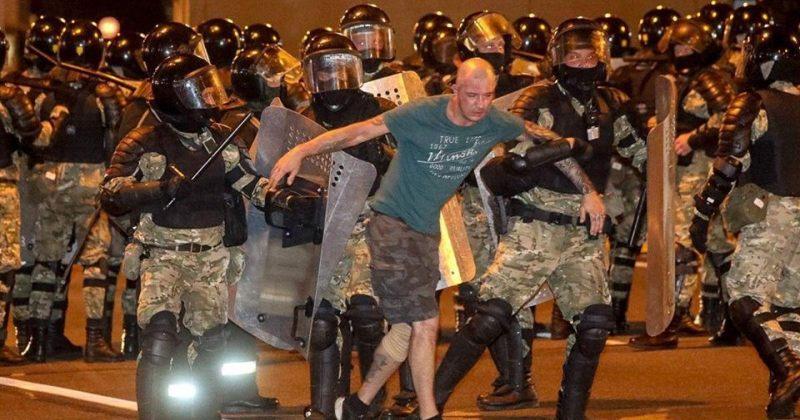 მინსკში პოლიციასთან შეტაკებები დაიწყო, რა ხდება ბელარუსში - ფოტორეპორტაჟი