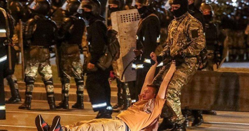 მინსკში პოლიციასთან შეტაკებებში დაიღუპა ერთი ადამიანი, არიან დაშავებულებიც