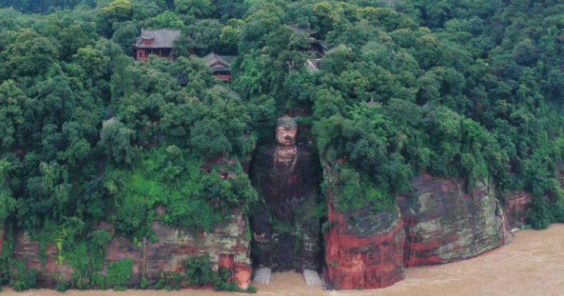 ჩინეთში წყალდიდობაა, დაიტბორა ლეშანის გიგანტური ბუდას ქანდაკება