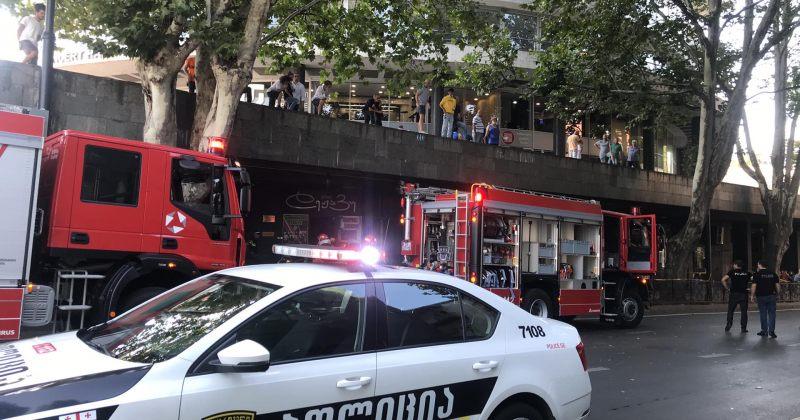 ფილარმონიასთან ჟანგბადის ბალონი აფეთქდა, 1 ადამიანი დაიღუპა და 3 დაშავდა