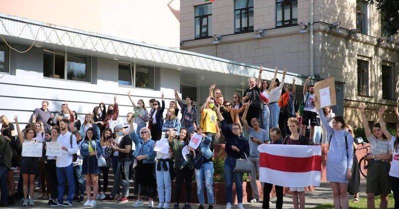ბელარუსში პოლიციამ უნივერსისტეტში გამართულ აქციაზე ხუთი სტუდენტი დააკავა