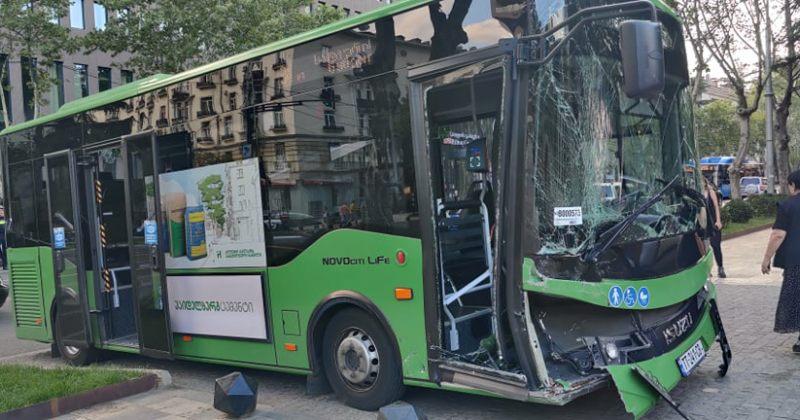 კალაძე: ვისაც ჭავჭავაძეზე გაუვლია, იკითხავს, როგორ შეიძლება ავტობუსი დაეჯახოს მანქანას