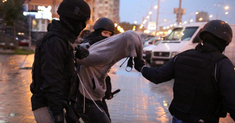 ბელარუსის ქუჩებში ათობით ათასი ადამიანი გამოვიდა, პოლიციამ დააკავა 350-ზე მეტი დემონსტრანტი