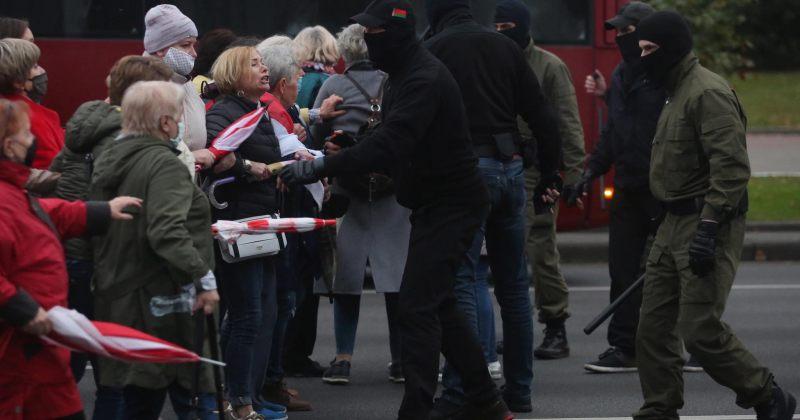 ბელარუსში ანტისამთავრობო აქციებზე 186 მომიტინგე დააკავეს [ფოტო/ვიდეო]