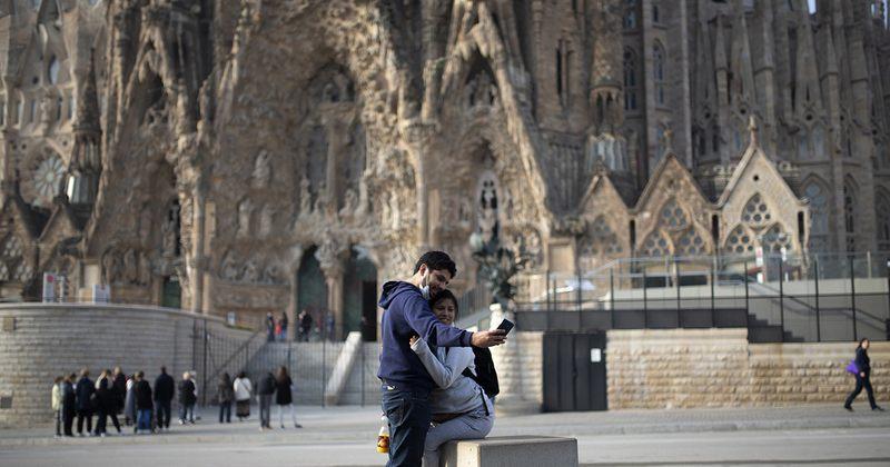 ესპანეთში პანდემიის გამო ნახევარი წლით საგანგებო მდგომარეობა გამოაცხადეს