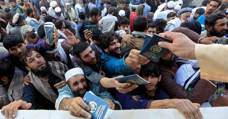 ავღანეთში ვიზის მოთხოვნით მისული ხალხის ჭყლეტაში 11 ქალი დაიღუპა და ბევრი დაშავდა