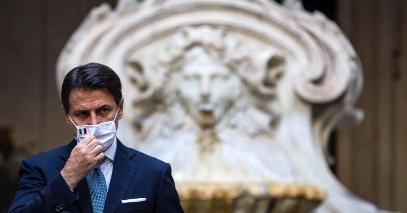 იტალიის პრემიერმინისტრი, ჯუზეპე კონტე თანამდებობიდან გადადგა