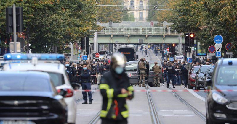 ტერორისტული თავდასხმა ნიცაში: ქალს თავი მოჰკვეთეს, გარდაცვლილია სამი ადამიანი